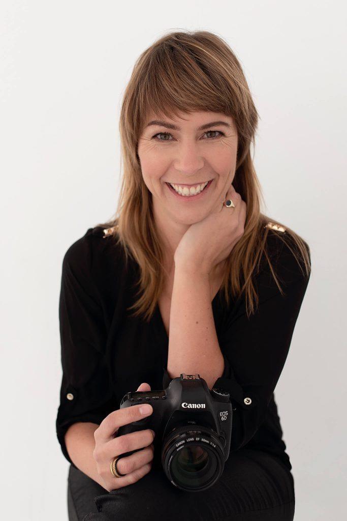 Portret fotograaf Linda Hemmes studio
