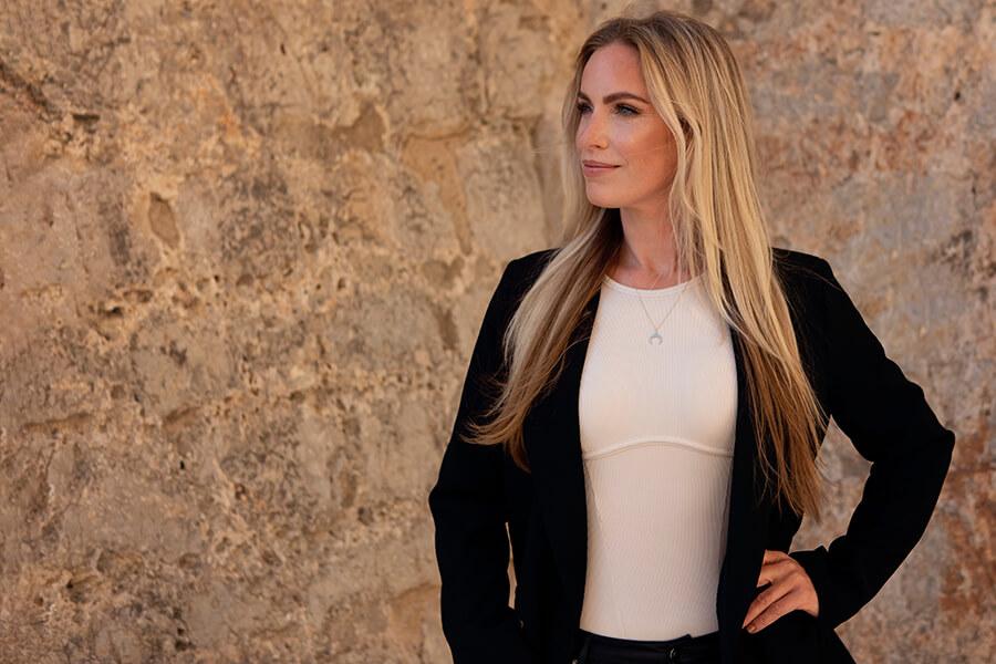 Portret Veronique op Ibiza
